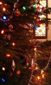 2016-christmas-tree15590668_1816633838584394_2938238659710827710_n
